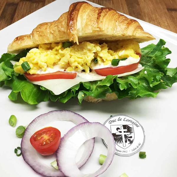 Sandwich Croissant Oeuf Fromage